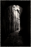 PH2373a folio urban canyons Tuscan alley 16  Florence 19x29@300 nsg zf-8625--30