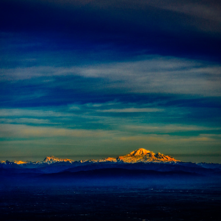 PH2147b folio above clouds MountBaker sunset pfx zf-3005