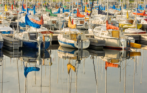 PH892a boat reflections 4 -19x12 -4262.jpg