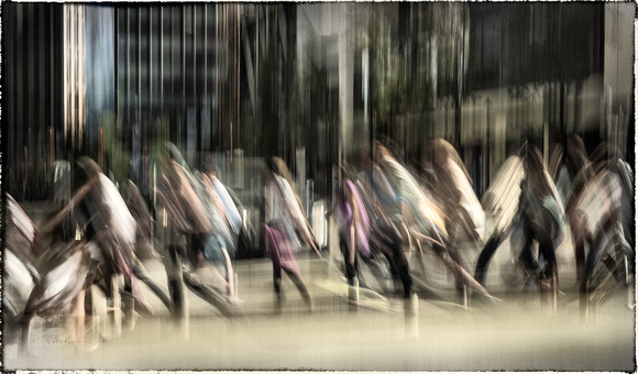 PH2001a folio life is a blur vancouver abstract ppl blur granville street sfx zf-0344