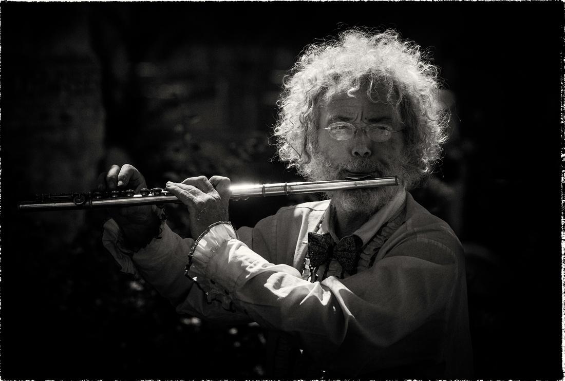 PH ppl flute busker sfx zf-4228