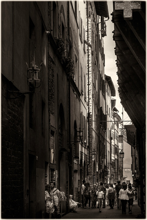 Tuscan alley Florence PH2541b -8555